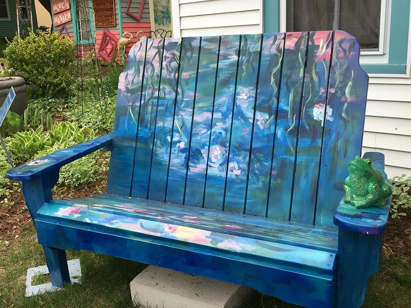 Bench painted with water lilies in Sturgeon Bay, Door County.